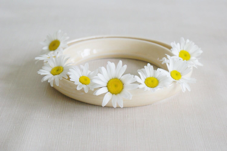 Ceramic Light Yellow Porcelain Floral Ring Flower Holder Bud