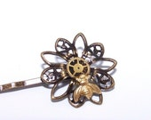 STEAMPUNK HAIR PIN Gears in Resin ONLY from THESTEAMPUNKTRUNK