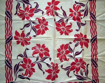 Vintage Tablecloth Two Color Design Circa 1940s-Never Used MWT