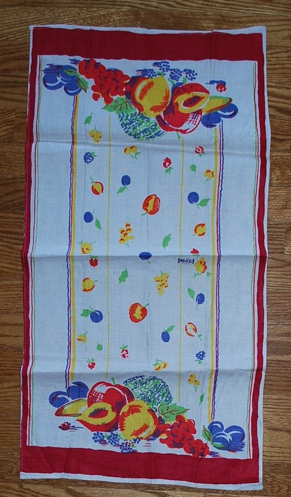 Vintage Kitchen Towel-Peaches Plums Grapes Apples-Circa 1960s