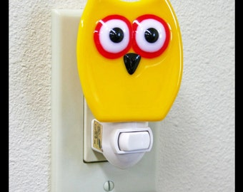 Glassworks Northwest - Night Owl Night Light - Yellow - Fused Glass Art