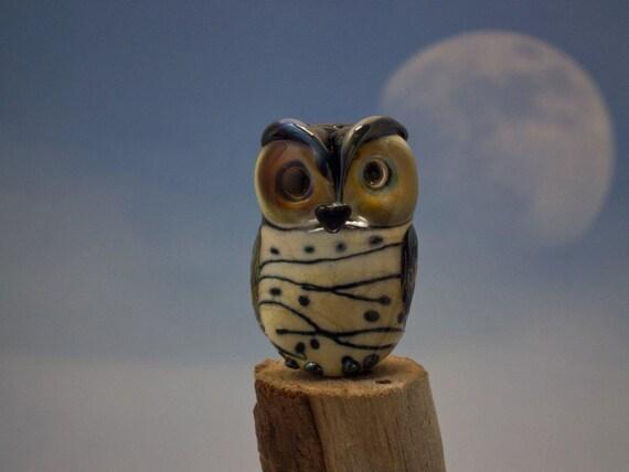RESERVED for Daajung...........................................Zena... lampwork double helix owl bead... sra