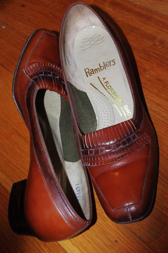 Sale/ Caramel Brown 2 tone Vintage Loafers size 6.5