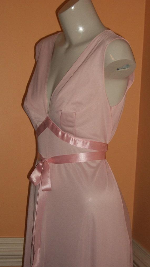 Peach Ribbon Romance Long Nightgown Vanity Fair sz 34