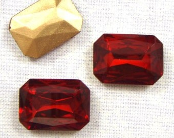 Vintage Octagonal Siam Ruby Red Glass Jewel or Stone, 25X18 mm