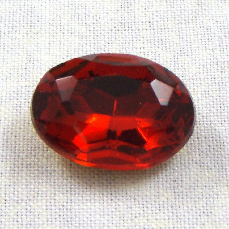 Red Glass Stone : Vintage siam ruby red oval glass jewel or stone mm