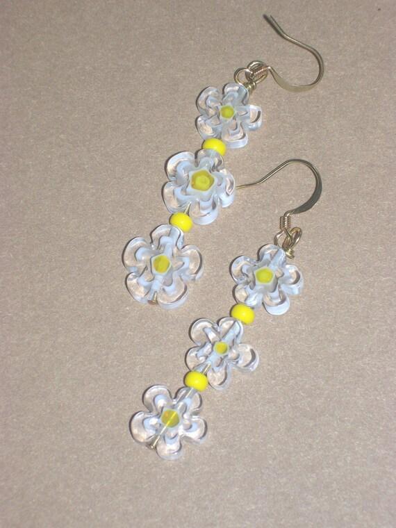 HAPPY DAISY Dangle Earrings