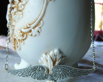 Divinite - angel wing necklace silver