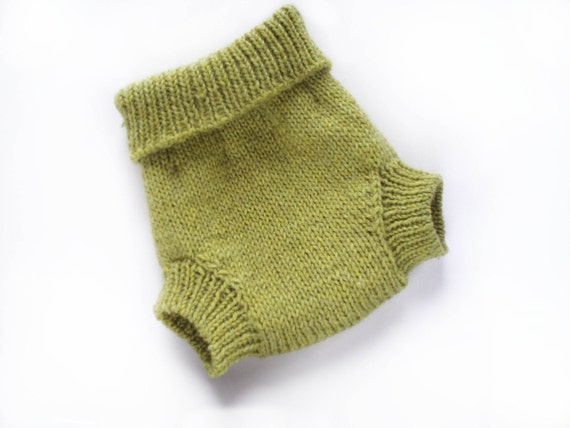 Wool Soaker Diaper Cover Medium in Pea Green