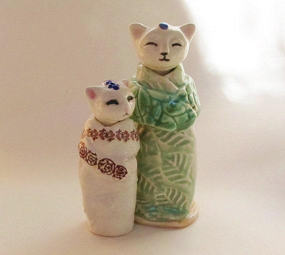 Ceramic Miniature Cat Jar With Leaf Motif