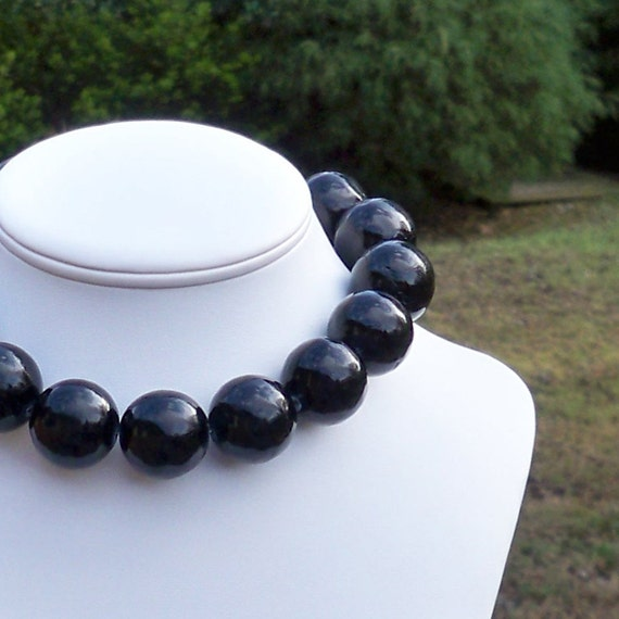 Orion - Gorgeous Chunky Black 25mm Round Jade Gemstone Beaded Necklace