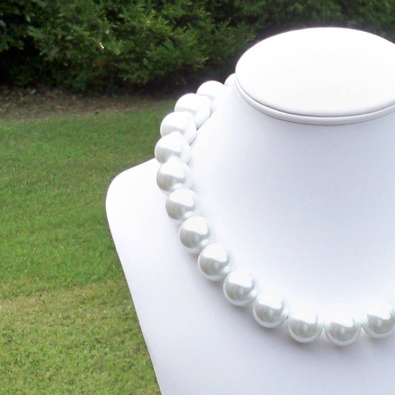 Ana - Chunky 15mm Round Modern White Ivory Pearl Beaded Necklace