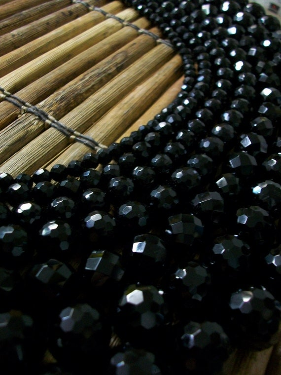18mm Faceted Black Onyx Beads- Round, 22 beads