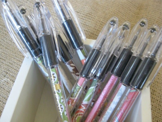 Decorative pen coordinates with Throne of Grace Legacy Prayer Journals