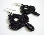 Leyla - Crocheted earrings in black
