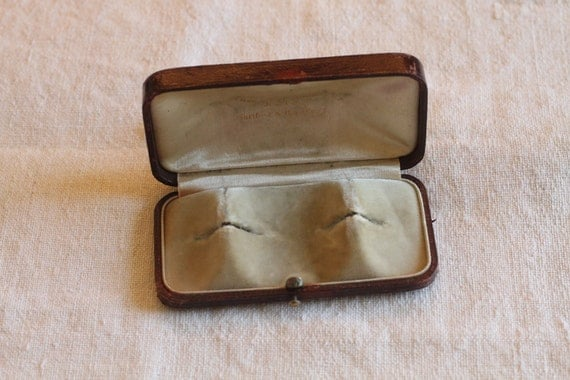 Vintage Jewel Box with very cool brass clasp