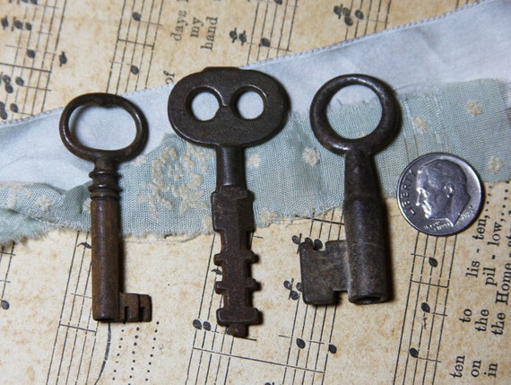 Ornamental Keys (3) for Steampunk Found Object Jewelry and more