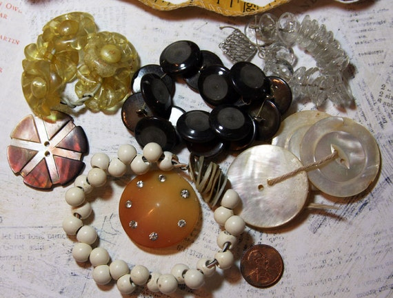 SALE-Vintage BUTTON LOT Mother of Pearl Glass