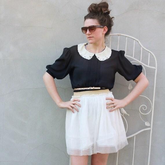vintage LACE collar blouse. M/L
