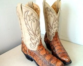 Awesome Vintage Laredo brand cowgirl boots with stars and snakeskin size 6 M