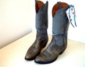 Great Vintage Lucchese Gray leather Cowboy Boots size 7 D or Cowgirl size 8.5 to 9