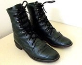 Vintage Justin lace up Ropers Cowgirl size 5 B in a beautiful Hunter green color
