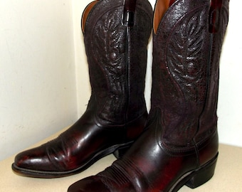 Broken In Laredo Cowboy boots in burgandy wine leather size 10 D or cowgirl size 11.5