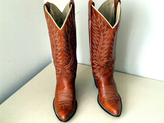 Vintage Acme Cowboy Boots Ladies size 6 C by honeyblossomstudio