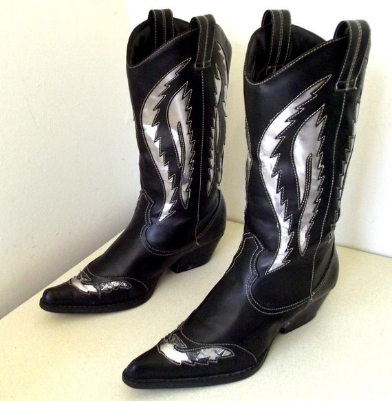 Flashy Western Cowgirl boots VEGAN FRIENDLY size 7.5  Great for customized paint design