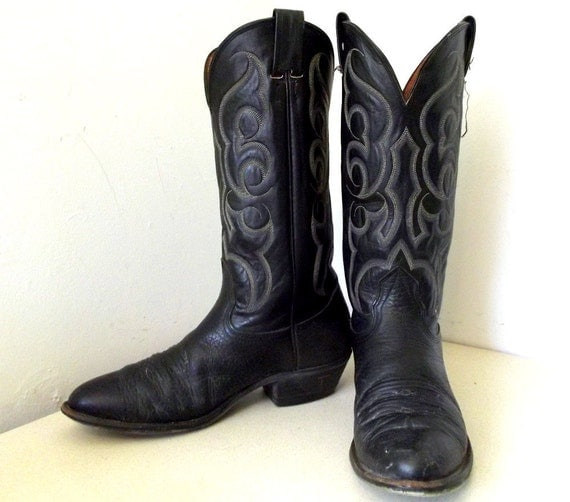 Amazing Vintage Nocona Brand Cowboy Boots size 8.5 D or Cowgirl size 10