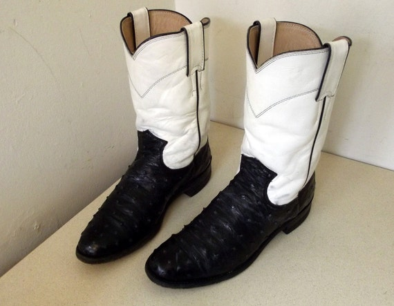 Vintage Justin brand Cowboy Boots white with black ostrich leather size 6.5 B or Cowgirl size 8
