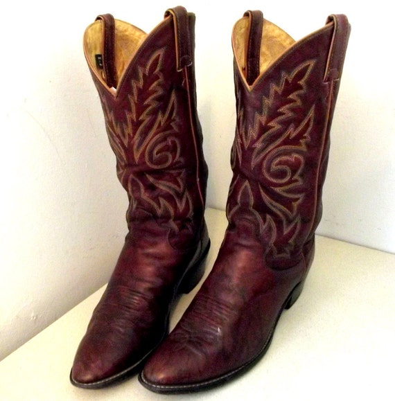 Vintage Justin brand cowboy boots size 10.5 D or Cowgirl size 12 -- deep rich brown leather with blue and tan embroidery