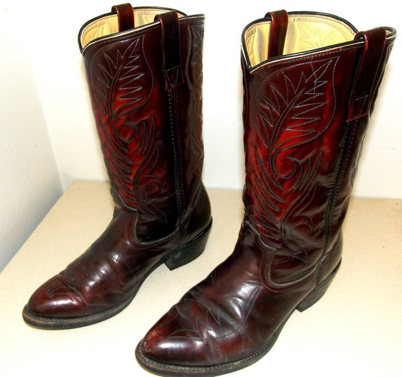 Rockabilly style Western Cowboy Boots size 8.5 EE or cowgirl size 10 wide width with classic embroidery design