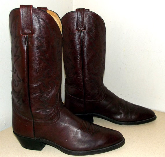 Vintage Dan Post Burgandy Wine colored Cowboy boots size 10.5 D or cowgirl size 12