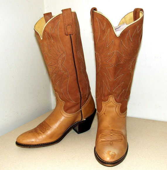 vintage acme brand light brown cowboy boots by
