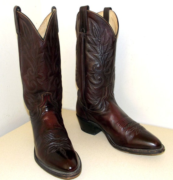 Western style cowboy boots Dan Post brand size 8.5 d or cowgirl size 10