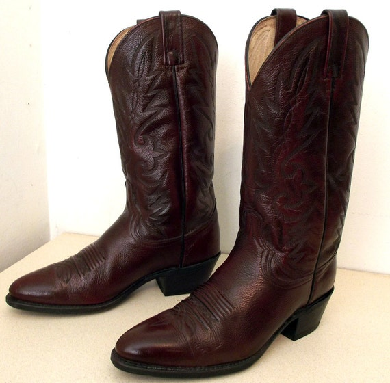 Burgandy Wine leather Dan post cowboy boots size 9.5 B