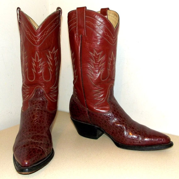 Vintage Western Cowboy boots in a rich reddish brown color