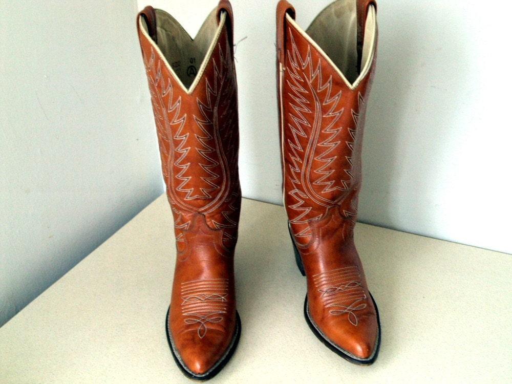 Vintage Acme Cowboy Boots Ladies size 6 C