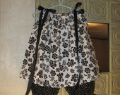 Little Girls Pillowcase Dress with Matching Diaper Cover/Bloomers 12-18mn Black & White