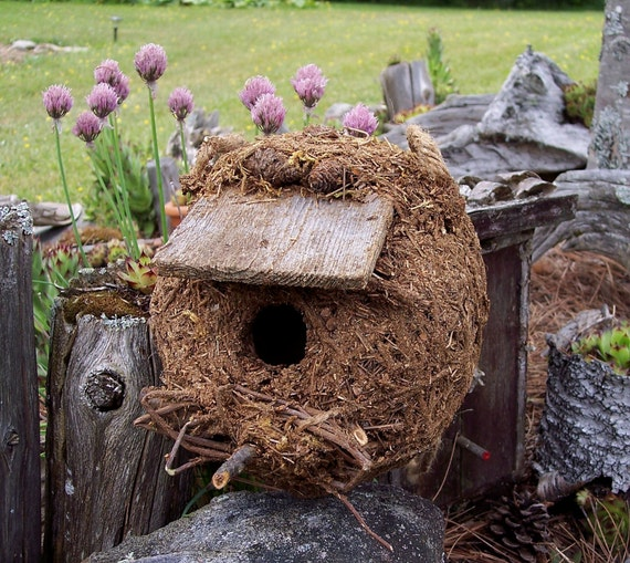 Birdhouse rustic pine needle nest by bearpawrustics on etsy - Houses made from natural materials ...