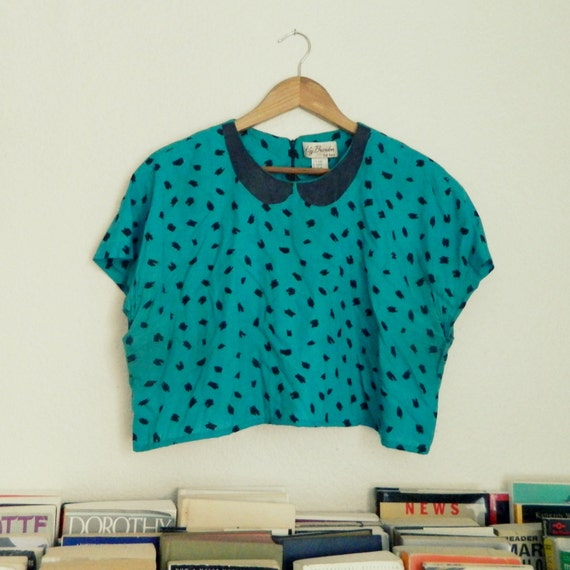Green Crop Top w/ Black Faux Peter Pan Collar