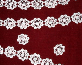 """Peachy Pink Vintage Venice or Venise Lace Trim 1"""" wide BTY"""