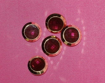 """5 Acrylic Buttons, Faux Garnet Jewel with Gold Setting 3/4"""" wide Lightweight"""