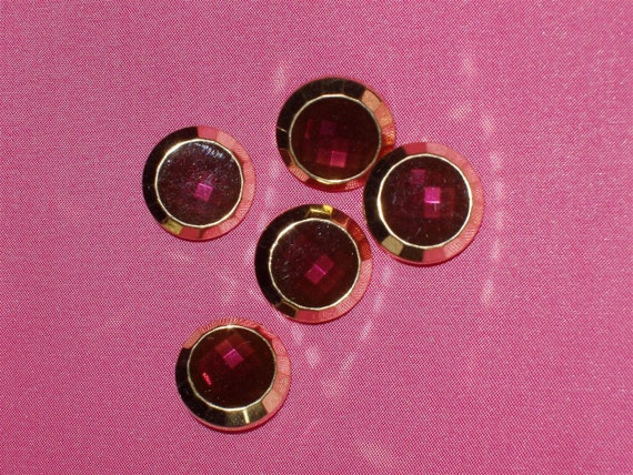 5 Acrylic Buttons, Faux Garnet Jewel with Gold Setting 3/4 inches wide Lightweight