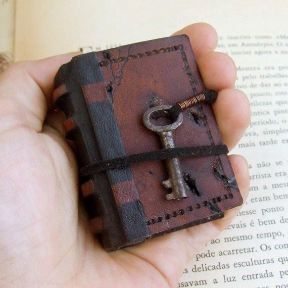 Old Leather Journal With Key Vestige Miniature Leat...