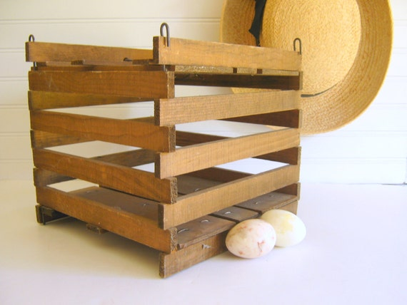 Vintage egg crate chicken coop rustic farmhouse wood cage for Wooden chicken crate plans