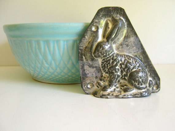 Antique Chocolate Mold / Rustic Farmhouse / Autumn Baking / Patina / Rabbit / French Country