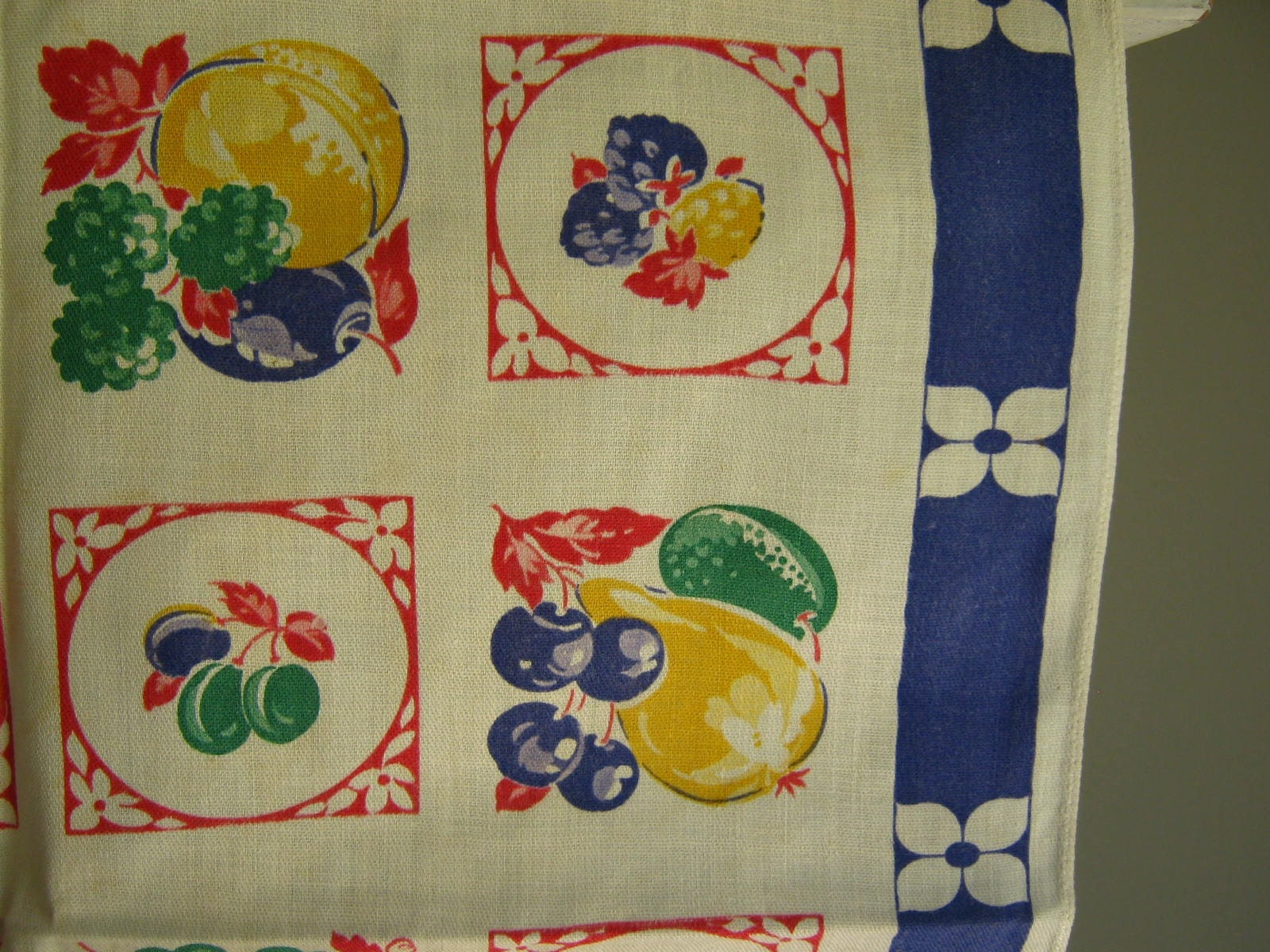 vintage kitchen curtains fruit design by rollinghillsvintage. Black Bedroom Furniture Sets. Home Design Ideas