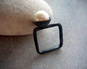 mod square oxidized sterling silver with white fw pearl ring.